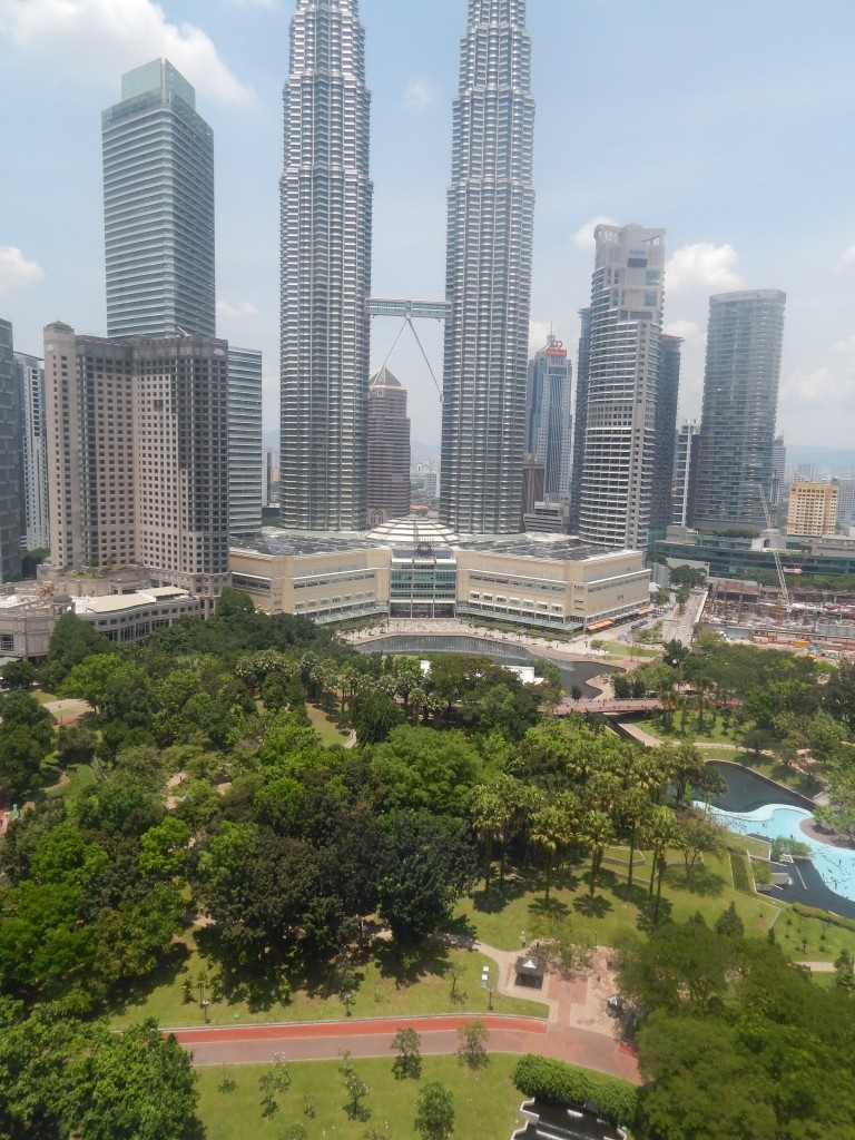 sightseeing in kuala lumpur - KLCC park with the twin towers behind